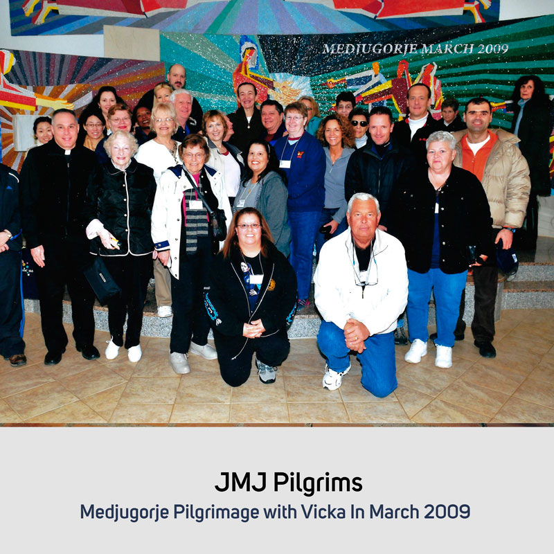 JMJ Pilgrims 2009 with visionary Vicka