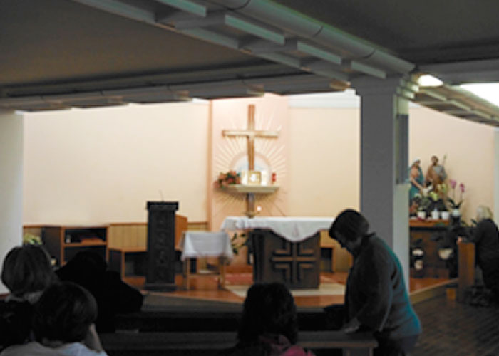 JMJ Pilgrimages - Daily Eucharistic Adoration